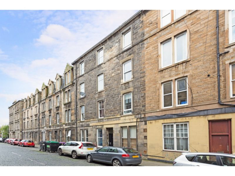 6/2 Dudley Avenue South, Edinburgh, EH6 4PJ