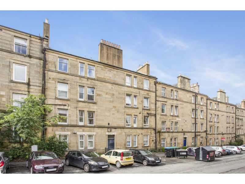 28/11 Wardlaw Place, Edinburgh, EH11 1UA