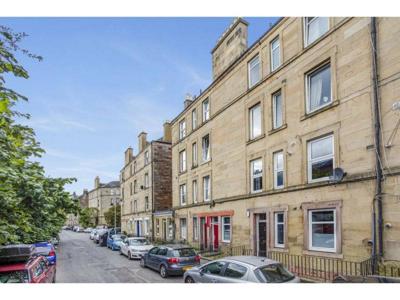 8/3 Wardlaw Terrace, Edinburgh, EH11 1TW