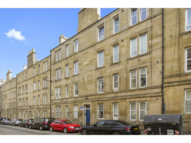 15 (1F4) Yeaman Place, Edinburgh, EH11 1BS
